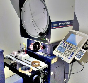 Measuring the circularity of a voice coil with the Mitutoyo Digital Optical Profile Projector